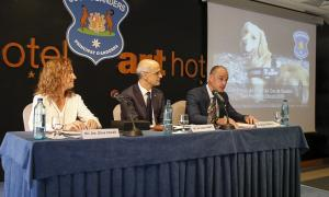 Sílvia Calvó, Antoni Martí i Miquel Rossell van participar en l'acte amb motiu de la celebració del patró del cos, ahir al matí.