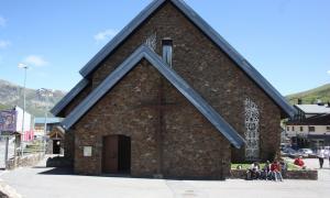 La plaça de l'església del Pas disposarà d'una zona coberta