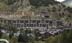 Imatge d'habitatges construïts al poble del Tarter.