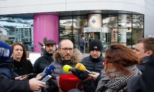 Els consellers van fer la roda de premsa ahir al migdia a les portes del Comú d'Encamp, a unes temperatures sota zero.