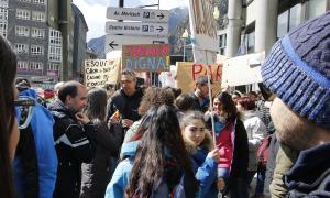 Una moment de la jornada de protesta dels treballadors públics per la reforma de la Llei de la funció pública.