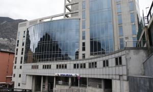 Detingudes 13 persones l'última setmana per diferents delictes edifici policia