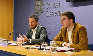 Roger Padreny, a la dreta, acompanyat del també conseller Pere López.