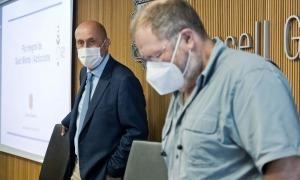 El ministre de Salut i el president de la comissió de Sanitat, Jordi Font, avui abans de començar la compareixença.