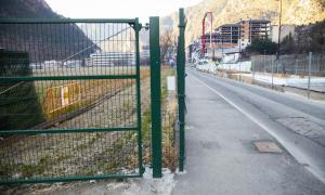 L'avinguda d'Enclar fa quatre anys, fotografia que recollirà el panell 4 de 'La nova Santa Coloma'.