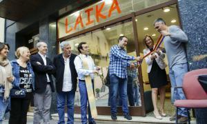 Laika enceta una campanya d'apadrinar gats per finançar-se