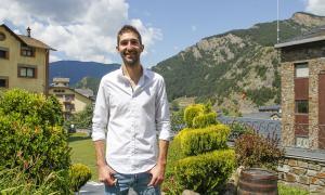 El cantant Miquel Palacios, conegut artísticament com 'el Pali', va presentar la seva actuació a les Nits Obertes, que serà el 22 d'agost.