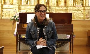 Ester Ciudad a l'església de la Massana en la presentació de la xerrada i del concert que oferirà avui.
