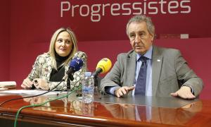 La número dos de la llista nacional, Sandra Cano, i el president d'SDP, Jaume Bartumeu, ahir.