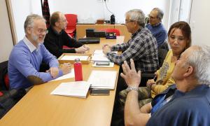 Josep Roig i Víctor Naudi es van reunir amb responsables de l'Associació de Propietaris de Terres Andorranes, ahir.