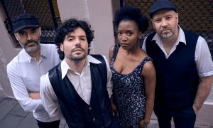La banda va publicar el seu àlbum 'Blue Track' el 2017.