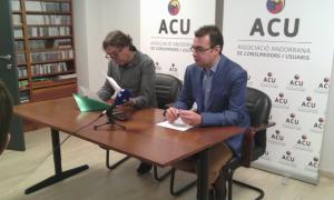 Toni Cornella i Lluís Ferreira van presentar ahir al matí l'ACU, al local de l'avinguda del Fener, número 22.