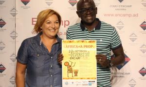 Helena Laza i Ibrahima Niang han presentat la 10a Setmana de la diversitat.