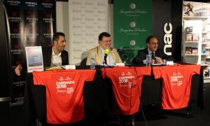 Josep Saravia, al mig, acompanyat de Ronald Cabrera i Josep Manzano.