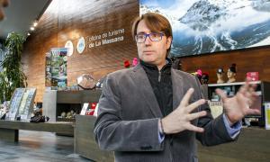 Carles Naudi, a l'Oficina de Turisme de la Massana, ahir.