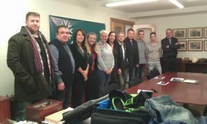 Un moment de la presentació de la candidatura d'Agrupament Encampadà, ahir a la tarda.