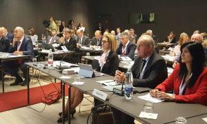 Petició a l'APF perquè s'acosti al Fòrum francòfon dels negocis