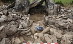 El Dolmen de la Llosa de Bescaran, on es van realitzar tres campanyes d'excavació del 2015 al 2017.