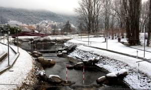 Diverses poblacions de l'Alt Urgell es desperten enfarinades per la neu