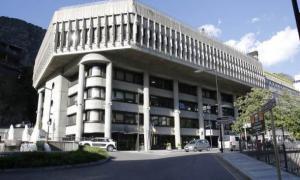 El Govern convoca disset places més d'agents de l'Administració