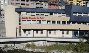 L'edifici del Liceu Comte de Foix.