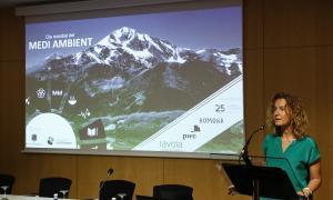 La ministra de Medi Ambient, Agricultura i Sostenibilitat, Sílvia Calvó, en la inauguració de la taula rodona sobre els ODS.