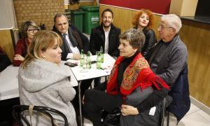 Paulo Pisco i Pere López en la trobada que van mantenir amb membres de l'Associació cultural i de residents d'Alto Minho.