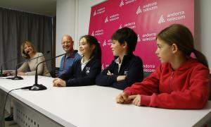 Elena i Jaume Torres i Maiona Rovira, tres dels participants en la 5a edició de l'esdeveniment, acompanyats per Inés Martí i Joan Rovira.
