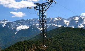 La carrera dels preus de l'energia elèctrica està provocant una sacsejada en les petites empreses.