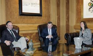El cap de Govern, Xavier Espot, amb els cònsols, Josep Majoral i Mireia Codina.