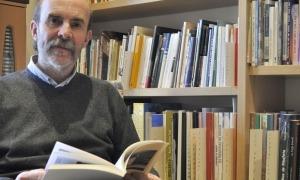 L'escriptor Joan Obiols, que divendres presentarà l'últim volum de 'Viatge universal pel Pirineu'.