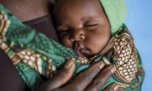 La campanya 'Cada vida compta' vol col·laborar a salvar la vida dels nadons.