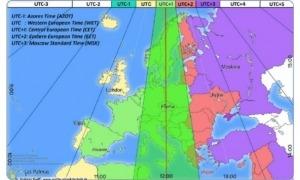 Mapa que recull els fusos horaris actuals, on Espanya, França i Andorra van quedar assimilades a Alemanya.