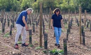 Francesc Xavier Güell i Sílvia Gaminde, els propietaris de la finca vitivinícola.