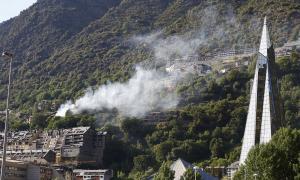 L'incendi va cremar alguns matolls entre el camí dels Vilars i el mirador de Sant Romà.