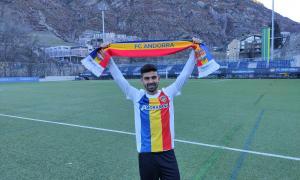 L'FC Andorra va fer oficial ahir al matí la contractació del migcampista català Adri Lledó, procedent del Llagostera.