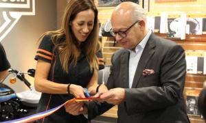 La inauguració del concessionari Harley-Davidson al país va tenir lloc ahir al vespre.
