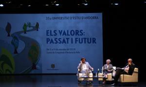 Un moment de l'últim debat de la Universitat d'Estiu.