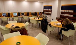 El nou centre té capacitat per a un centenar de persones.
