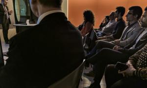 Un moment de la reunió informativa del ministre de Finances, Eric Jover.