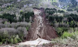 L'esllavissada de terra va caure a la zona de Valarties, a la Vall d'Aran.