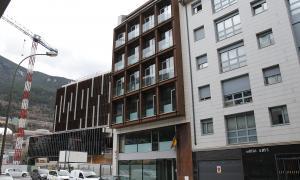 L'edifici administratiu de Prat del Rull.