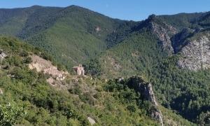 Tost (Ribera d'Urgellet), centre del senyoriu d'Arnau Mir al segle XI, actualment poble abandonat.
