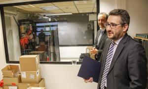 El ministre Eric Jover i el director d'Andorra Telecom, Jordi Nadal, en la presentació de l'ampliació de Xena.