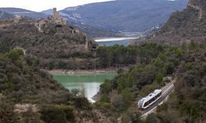 El Tren dels Llacs històric, en el trajecte entre Lleida i la Pobla de Segur.