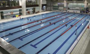 La piscina del centre esportiu de Sant Julià de Lòria.