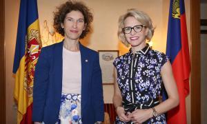 La ministra d'Afers Exteriors, Maria Ubach, i la seva homòloga a Liechtenstein, Aurelia Frick.