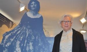 Carme Oriol, comissària de l'Any Palmira Jaquetti, a l'exposició a la Seu.