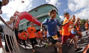 La setena Cursa popular Illa Carlemany supera els 3.500 corredors
