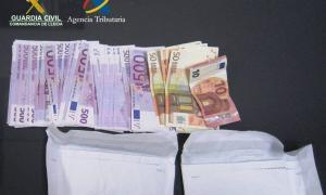 Comissen a la Farga de Moles prop de 80.000 € al viatger d'un autobús